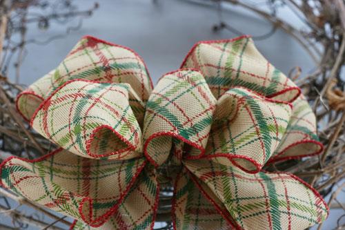 How to make a wreath - Step 3