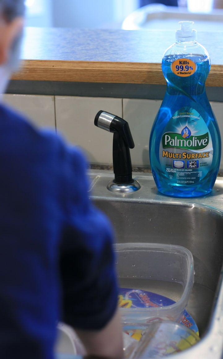 Washing Dishes with Palmolive® Multi Surface