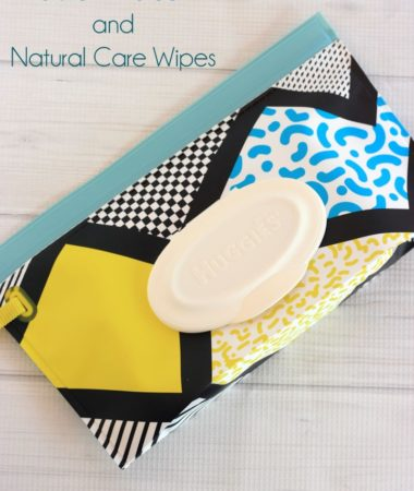 How to use Huggies Clutch n' Clean while on the go!
