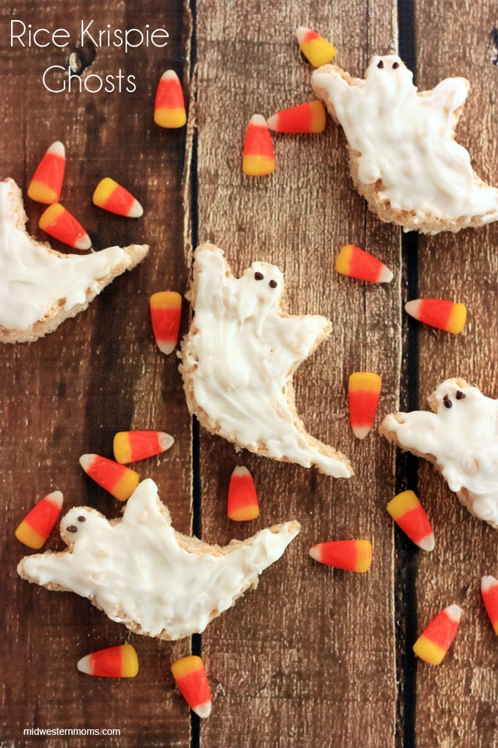 Amazing Rice Krispie Ghosts that are perfect for Halloween Parties! These Halloween treats are easy to make and taste delicious! Don't miss out on this recipe!