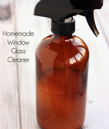 How to make Homemade Window Glass Cleaner. Most of the ingredients you may already have! Easy to make as well!