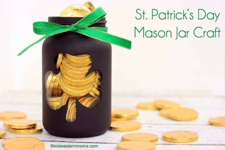 This St. Patrick's Day Mason Jar Craft makes the perfect pot of gold!