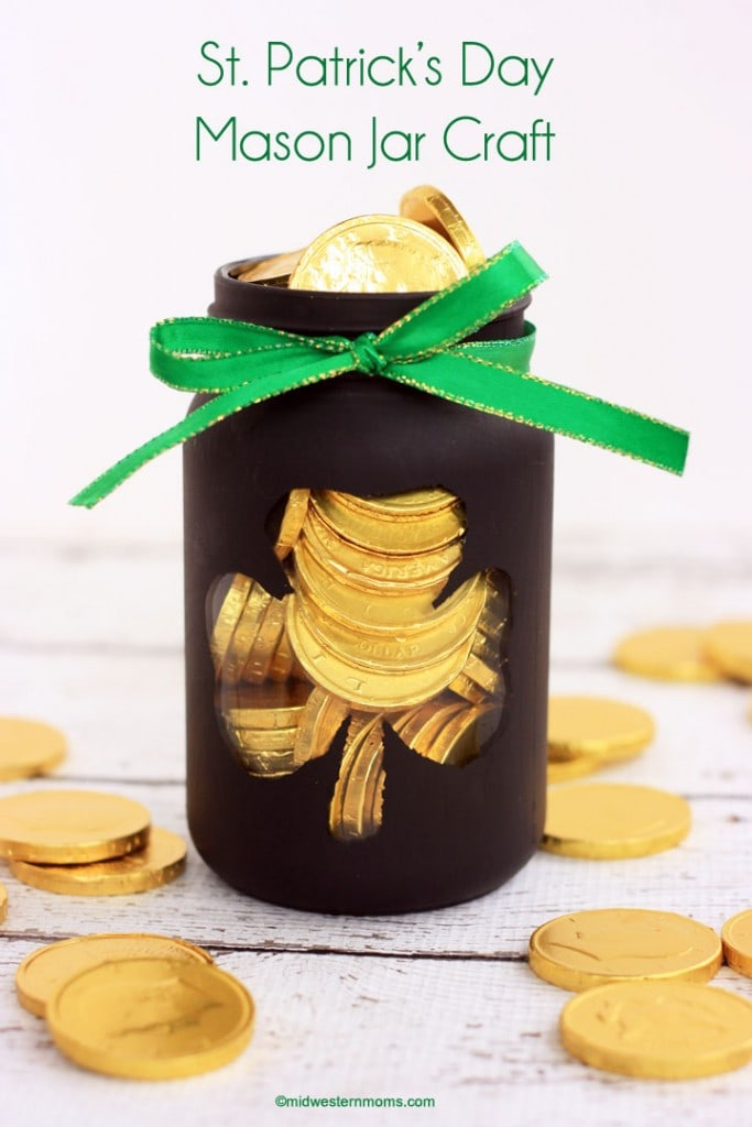 This St. Patrick's Day Mason Jar Craft makes the perfect Pot of Gold.