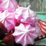 Delicious Strawberry Meringue Cookies. So light and fluffy you ca't stop at just one!