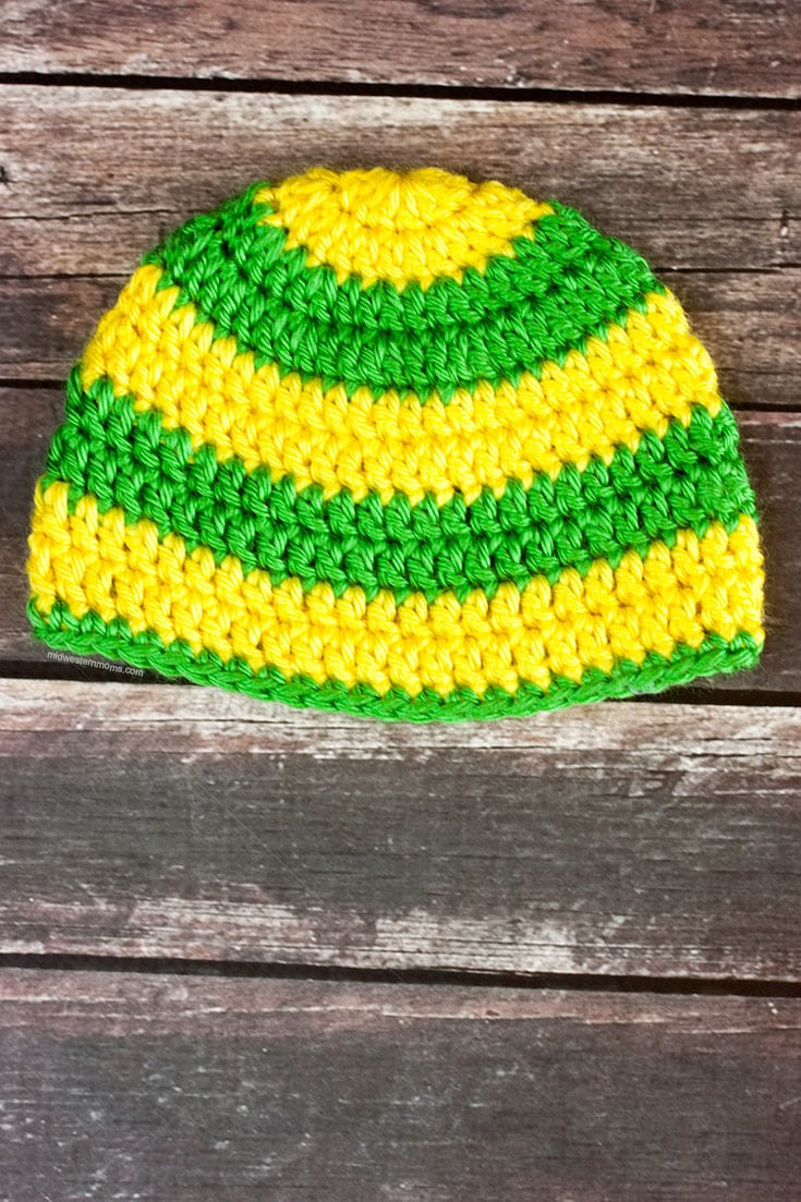 Free Stripe Crochet Baby Hat Pattern. Customize it with any color.