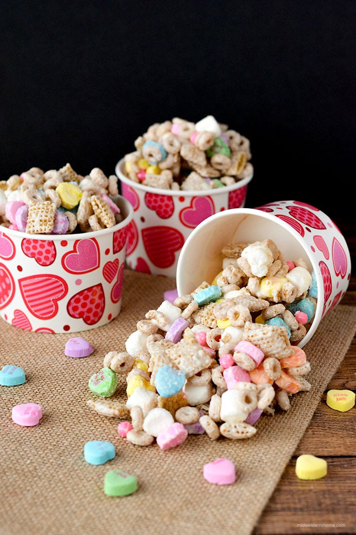 Easy Valentine's Day Snack Mix Recipe