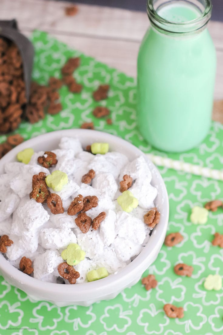 Simple St. Patrick's Day Puppy Chow Recipe