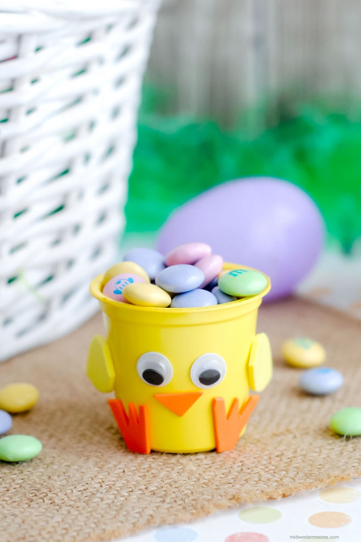 Adorable Easter Chick Craft made from an upcycled K-Cup! Simple to make and a great bucket for small treats!