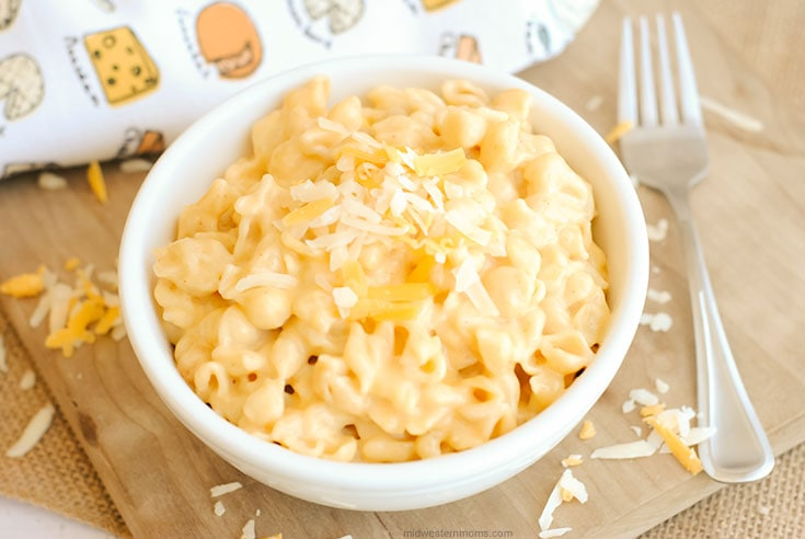 Mac and Cheese in a white bowl ready to eat!